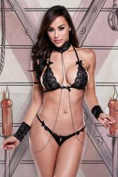 Baci - Submissive Lingerie Set With Cuffs