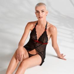 Rossita Nuisette avec string sexy - Noir